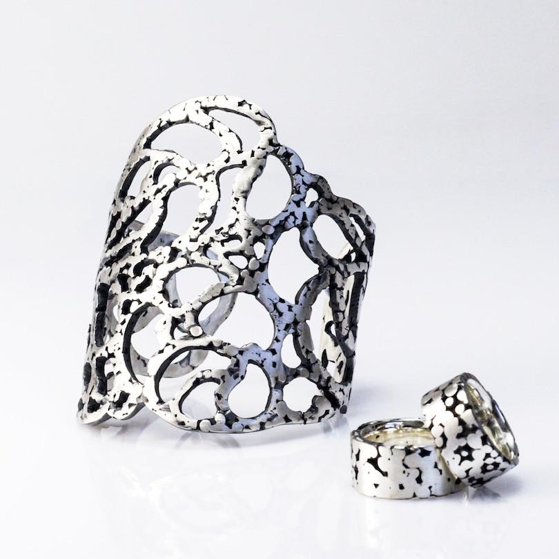 Armband Bladeren uit de collectie Herfst. Geoxideerd zilver. Unica.